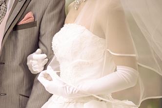 お箸を持つ位置が上になれば上になるほど、遠い所のお嫁さんになる